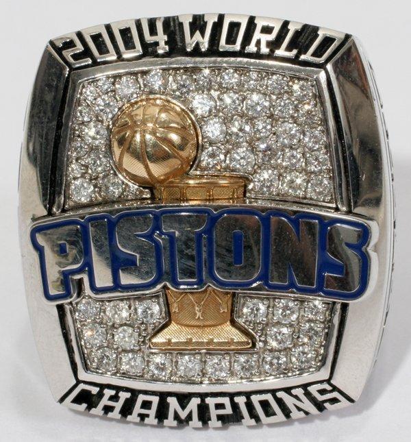 020029: PISTONS 2004 WORLD CHAMPIONSHIP GENTLEMANS RING