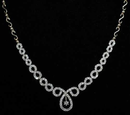 040003: NECKLACE, 14 KT. GOLD & 2.87 CT. DIAMOND