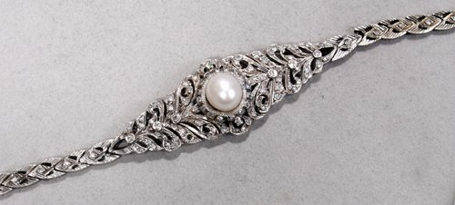 040024: BRACELET, ANTIQUE GOLD, DIAMOND & 10MM. PEARL