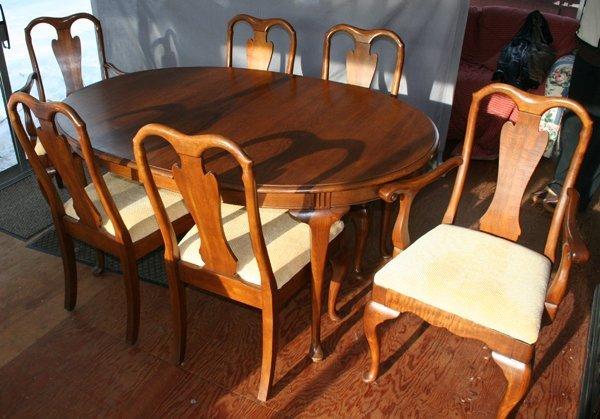 030022: DAVIS CABINET CO.WALNUT DINING SET W/SIDE BOARD