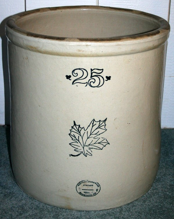 030213: WESTERN STONEWARE CO. POTTERY CROCK, 25 GAL.,