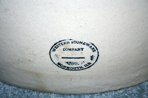 030213: WESTERN STONEWARE CO. POTTERY CROCK, 25 GAL., - 2