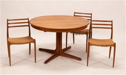 """DANISH STYLE TABLE & 3 CHAIRS, H 30"""", DIA 48"""""""