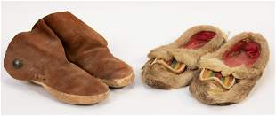 NATIVE AMERICAN LEATHER & DEER SKIN SHOES, 2 PAIRS, L