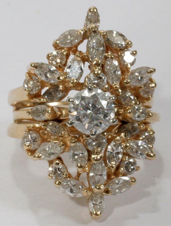 040018: 14 KT YELLOW GOLD & DIAMOND RING