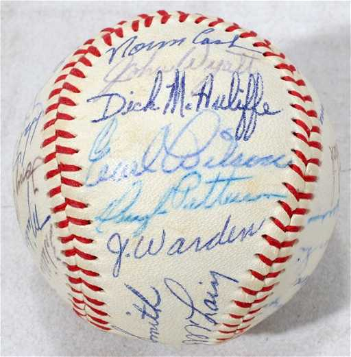 040091 1968 DETROIT TIGERS TEAM SIGNED BASEBALL