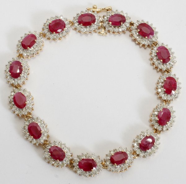 050004: 14KT YELLOW GOLD, DIAMOND & RUBY BRACELET