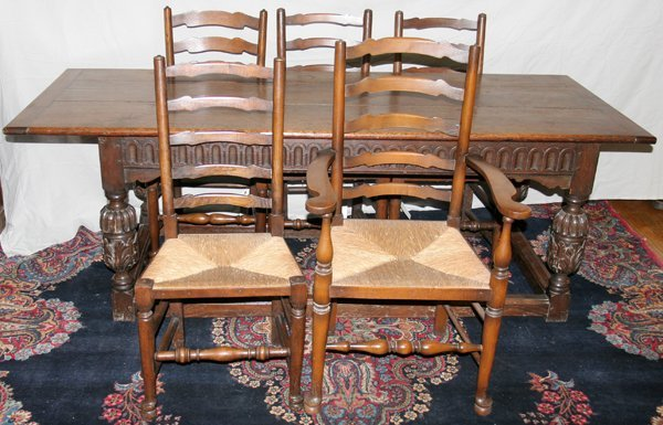 060016: ENGLISH OAK REFECTORY TABLE, WITH EIGHT CHAIRS