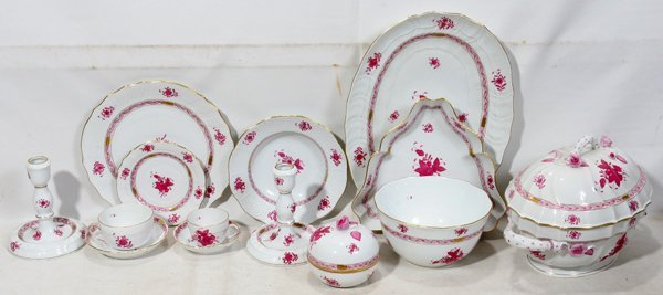 061020: HEREND CHINESE BOUQUET-RASPBERRY DINNER SERVICE