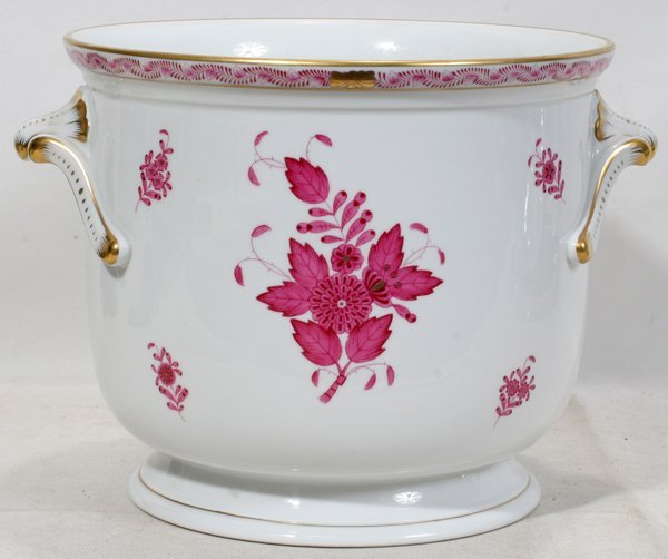 061021: HEREND 'CHINESE BOUQUET-RASPBERRY' CACHE POT,