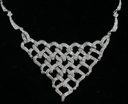 050009: GOLD NECKLACE W/ 2.90 CT DIAMONDS