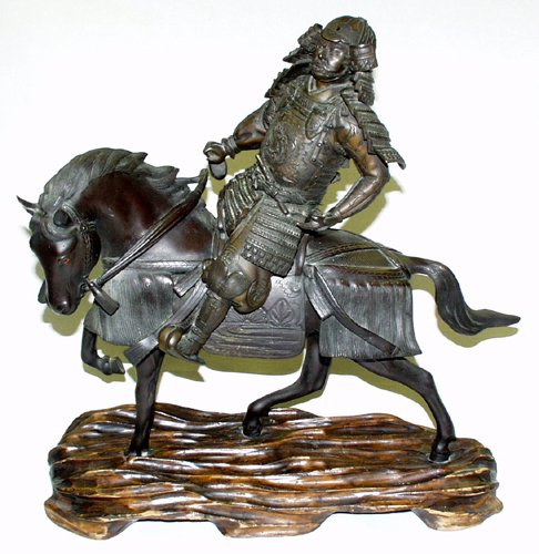 050014: JAPANESE BRONZE STATUE OF MOUNTED SAMURAI