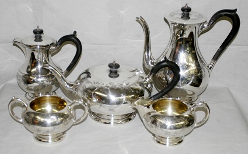 050018: BIRKS OF CANADA STERLING SILVER TEA SET, 5 PCS