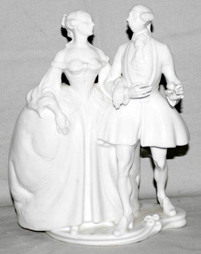 051017: KPM MEISSEN PORCELAIN FIGURE OF COUPLE