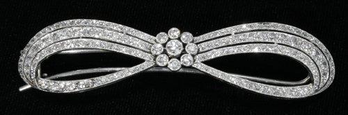 051087: GOLD & DIAMOND BOW PIN