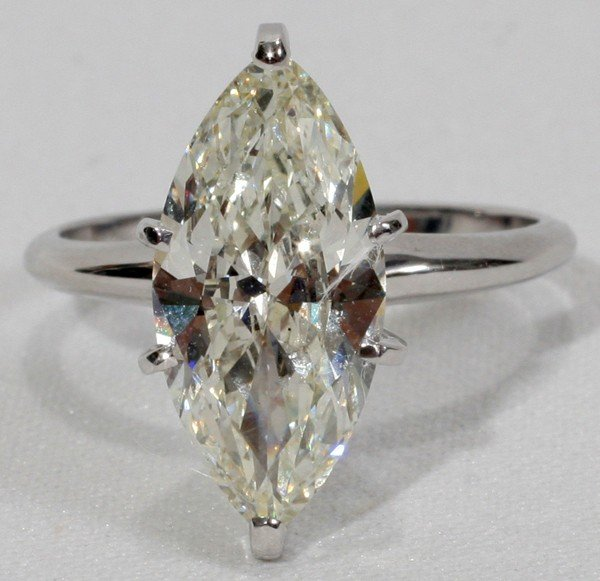 080013: 3.38CT MARQUISE DIAMOND & 14KT WHITE GOLD RING