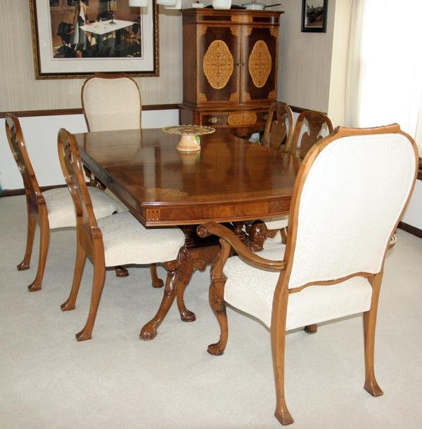 090020: CARVED WALNUT DINING ROOM SET, C. 1930'S