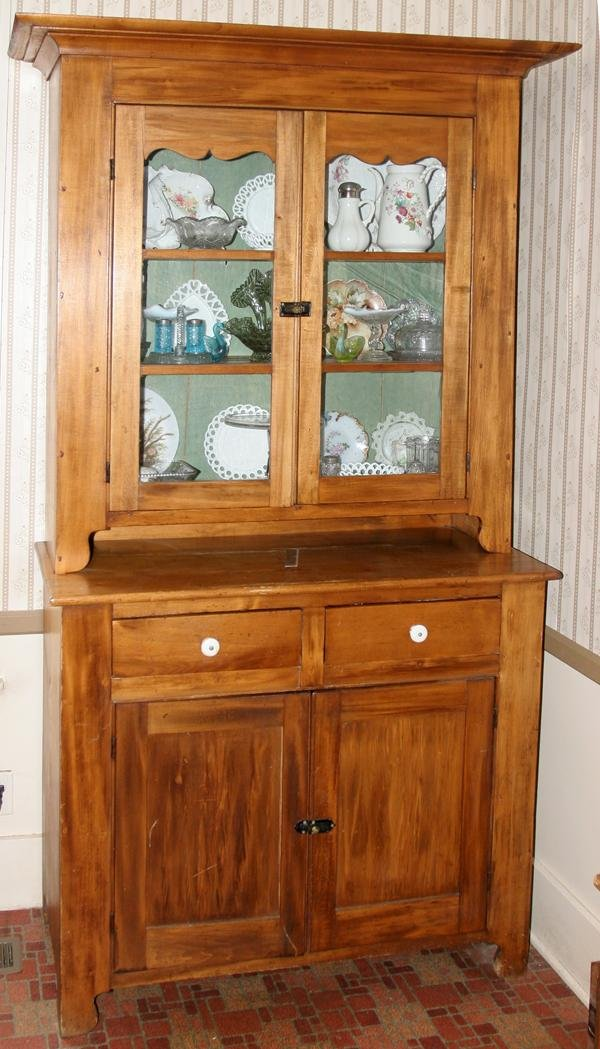 "090022: AMERICAN MAPLE CUPBOARD, 19TH C., H 86"", W 44"""