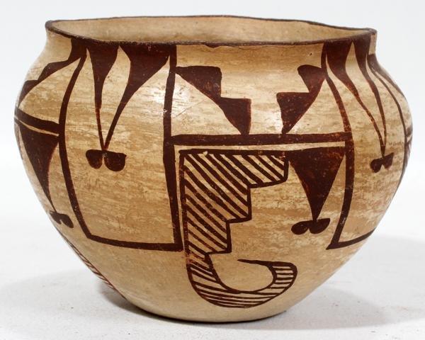 """ZUNI PUEBLO POTTERY JAR, C. 1920, H 3 1/2"""","""