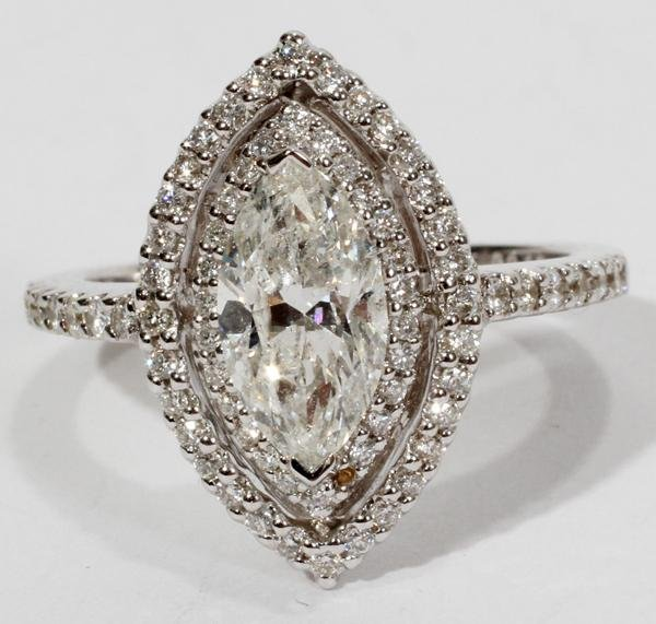 110011: 18KT WHITE GOLD AND 1.71 CTW DIAMOND RING,