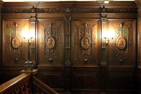 120006: ELIZABETHAN CARVED OAK PANELED ROOM, C. 1840