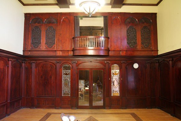 120007: CARVED MAHOGANY PANELED ROOM & ORGAN FAÇADE,