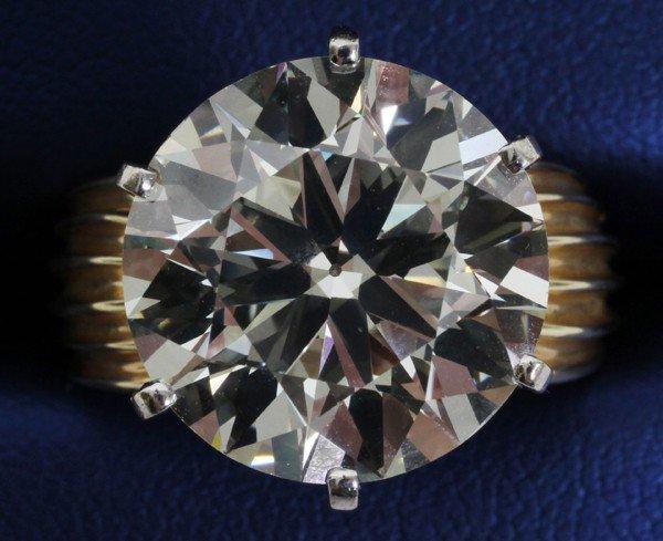 122101: 10.7 CT DIAMOND RING, VS2,M COLOR, GIA REPORT