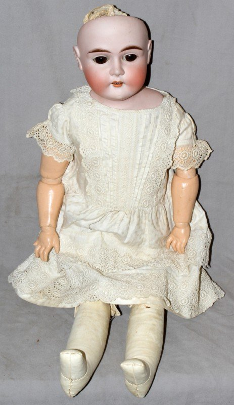 010005: GERMAN BISQUE HEAD DOLL, EARLY 20TH CENTURY,