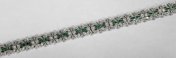 060002: DIAMOND, EMERALD & WHITE GOLD BRACELET