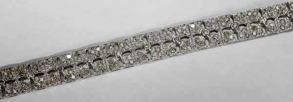 060004: DIAMOND & WHITE GOLD BRACELET