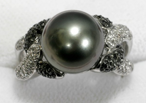 060022: SOUTH SEA PEARL, DIAMOND & SAPPHIRE RING