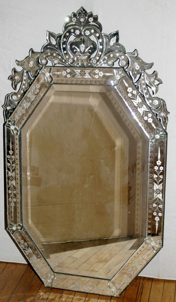 061007: VENETIAN HAND-ETCHED GLASS MIRROR