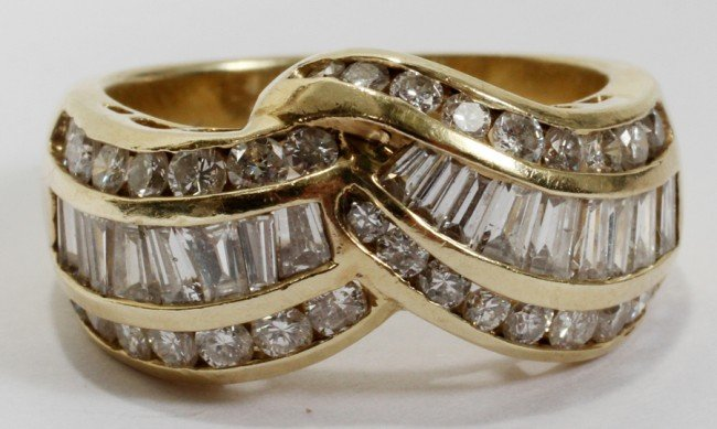 032026: YELLOW GOLD LADY'S APPROX. 0.6CTTW DIAMOND RING