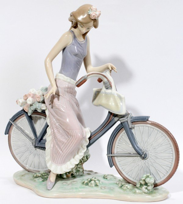 040310: LLADRO PORCELAIN FIGURE 'BIKING IN THE COUNTRY'