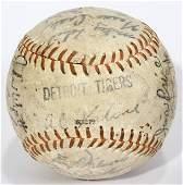 040352 1968 DETROIT TIGER TEAM SIGNED BASEBALL