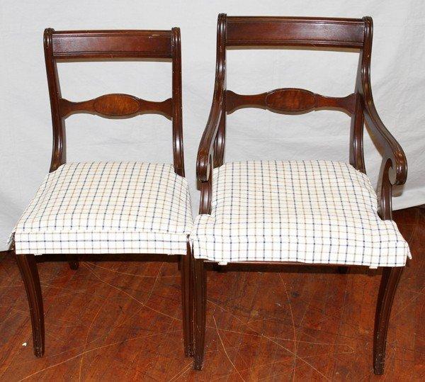 050460: DUNCAN PHYFE STYLE MAHOGANY TABLE & CHAIRS (6) - 4