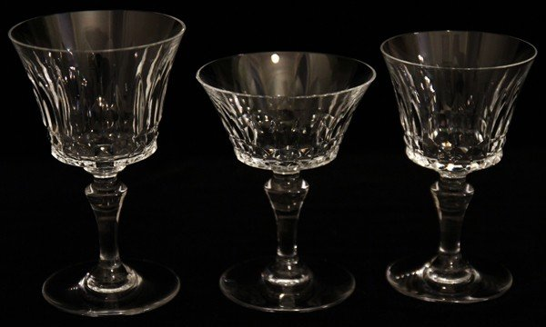 052189: BACCARAT 'PICCADILLY' PATTERN CRYSTAL STEMWARE - 2