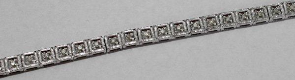070009: DIAMOND & GOLD BRACELET