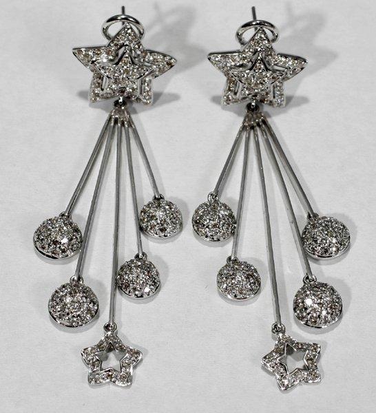 070010: DIAMOND & GOLD EARRINGS