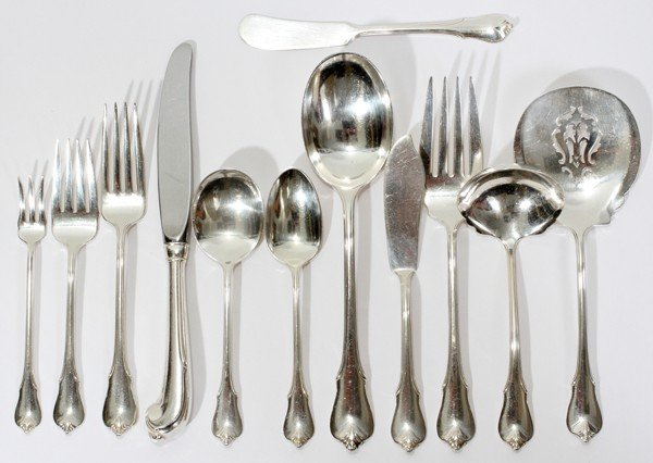 071025: WALLACE 'GRAND COLONIAL' STERLING FLATWARE, 95