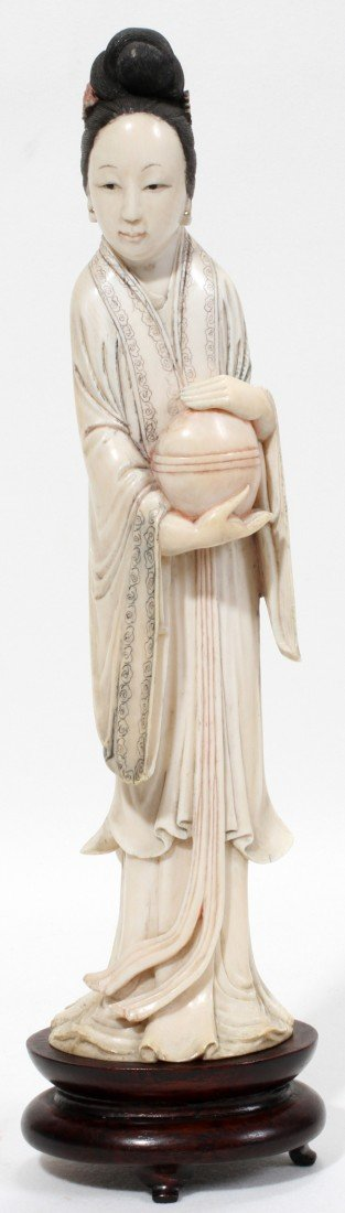 071084: CHINESE CARVED IVORY FIGURE OF QUAN YIN, 19TH C
