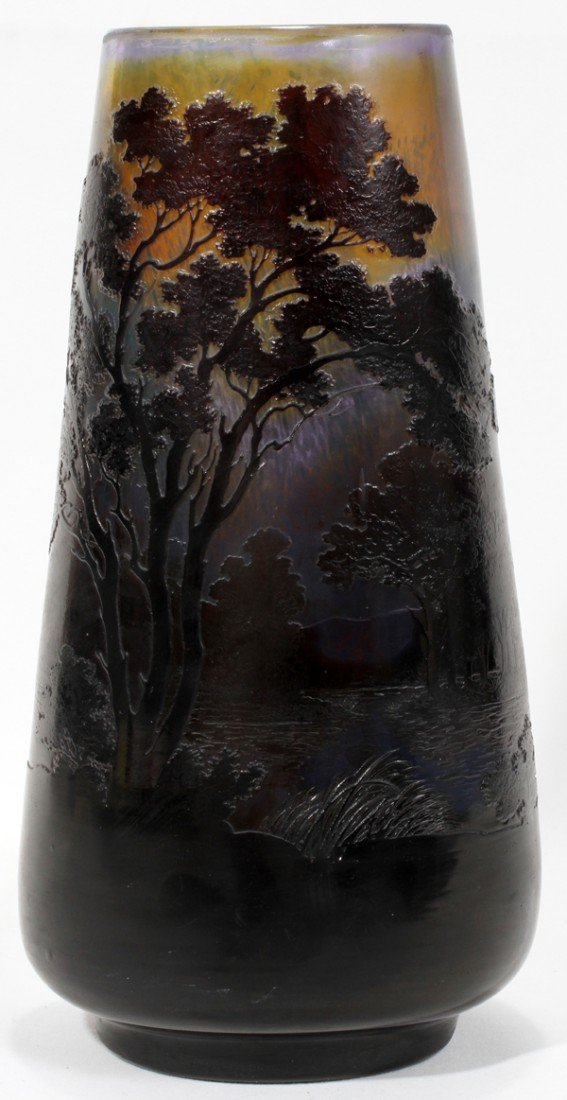081018: CAMEO GLASS SCENIC VASE SIGNED 'GALLE',