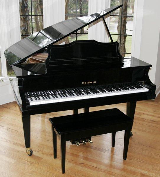 080017: BALDWIN #B293918 BABY GRAND PIANO
