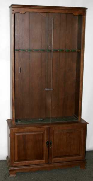081101 Gun Cabinet W Sliding Glass Doors
