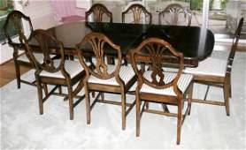 082032: MAHOGANY DUNCAN PHYFE STYLE DINING ROOM SET