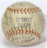 090047 1967 DETROIT TIGERS TEAM SIGNED BASEBALL
