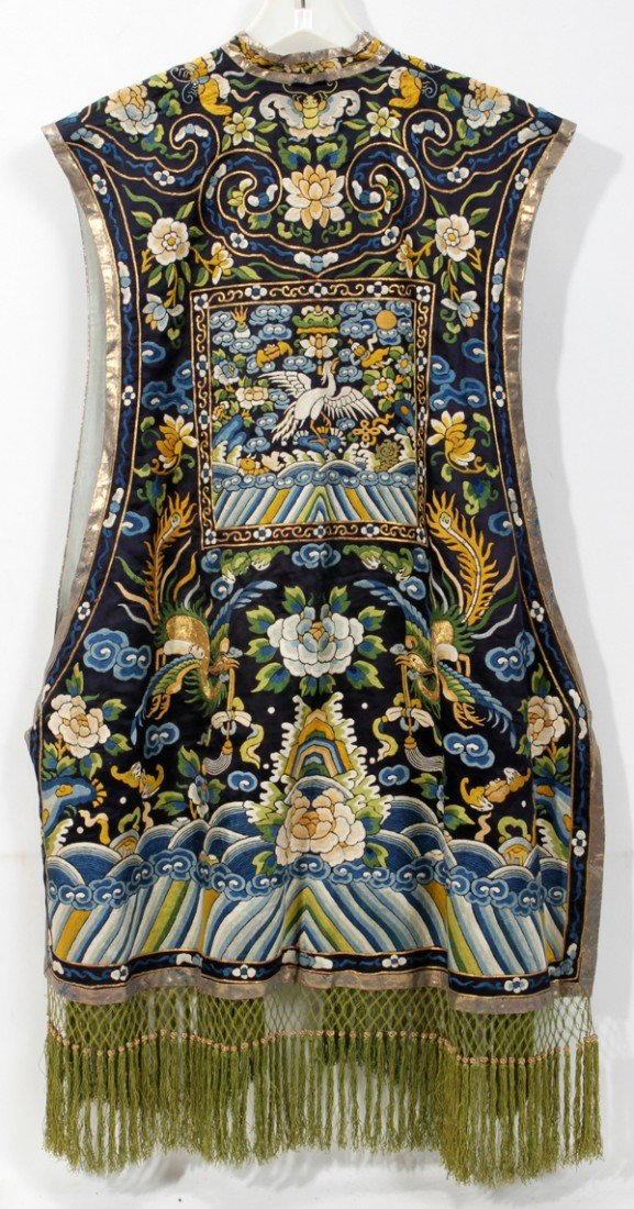 090478: CHINESE EMBROIDERED SILK VEST, L 38""