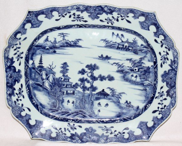 091018: CHINESE EXPORT PORCELAIN PLATTER, 18TH C. L 16""