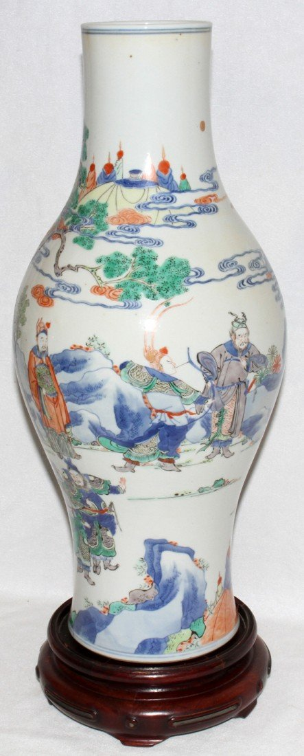 091024: CHINESE PORCELAIN VASE, CH'IEN LUNG MARK, H 17""