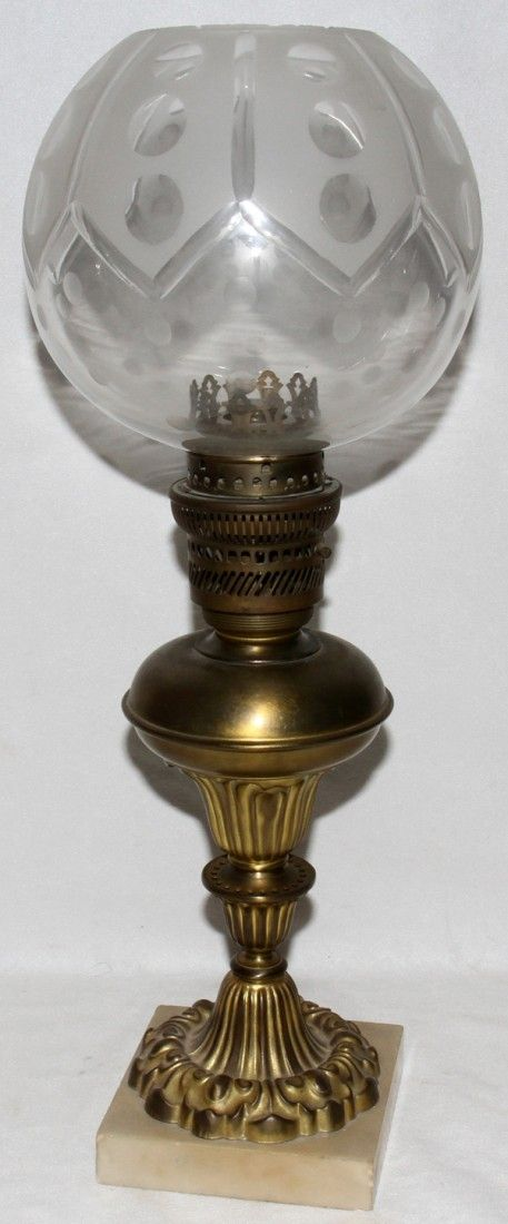 VICTORIAN BRASS OIL LAMP, LATE 19TH C.